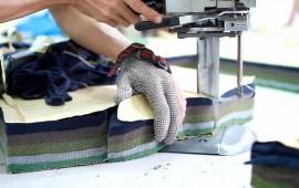 Học cắt vải bằng máy công nghiệp trong 30p