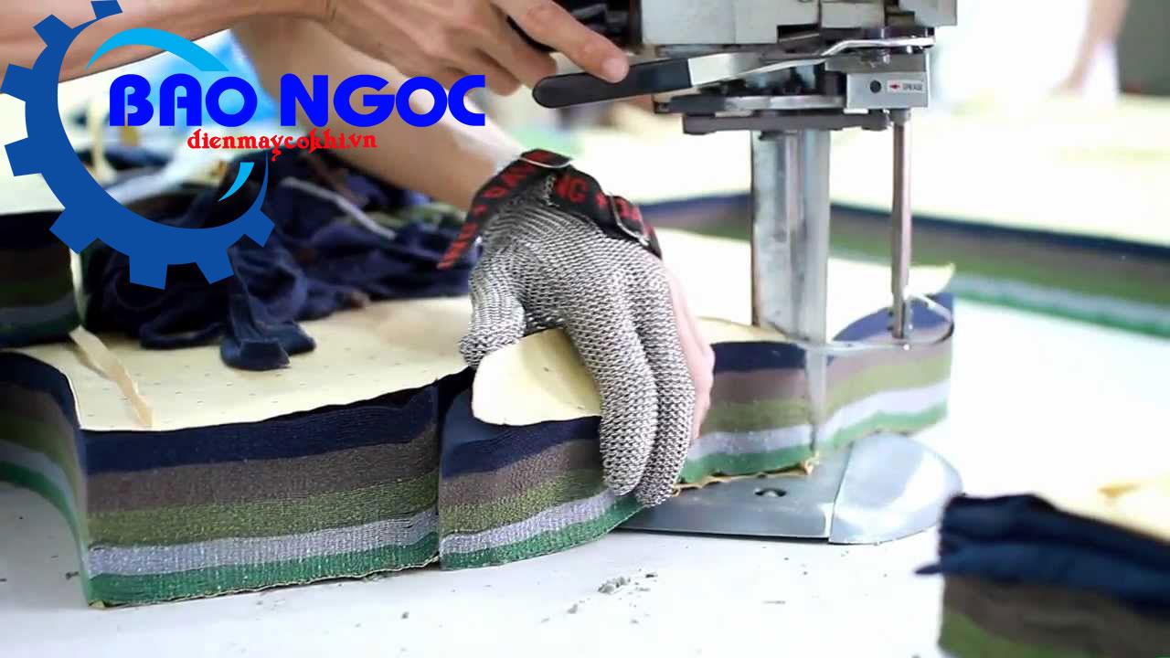 Cắt bằng máy cắt vải đứng Kaisiman KSM-9103 13 inch 1168w