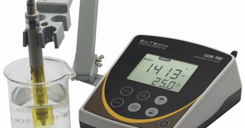 Máy đo độ dẫn điện CON 700