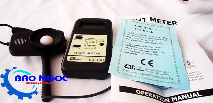 Máy đo ánh sáng Lutron LX-100