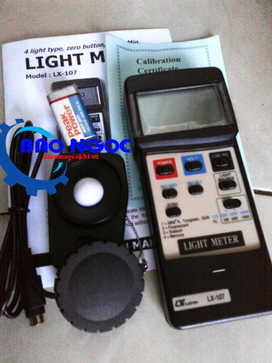 Máy đo ánh sáng Lutron LX-107