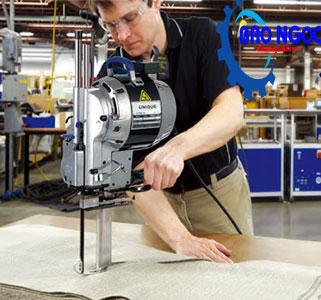 Sử dụng máy cắt vải đứng Eastman CZD-3 8 inch (750W)